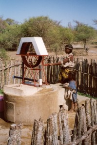 The Rope Pump - the Land Rover of rural water supply? (Photo: RWSN/Skat)