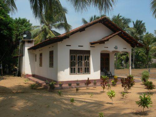 A farm house in Navakkadu, Kalpitiya Peninsula (S G Furey 2014)
