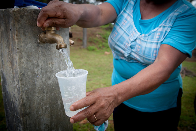 Crowding-in Commercial Financing to Water Supply and SanitationUtilities
